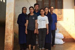 Hiệu trưởng cùng 7 người thân rủ nhau đăng ký hiến tạng để sự sống được tiếp nối