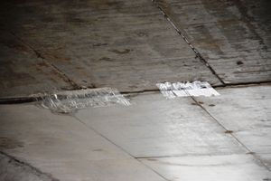 Chống dột hầm chui cao tốc Đà Nẵng - Quảng Ngãi bằng... băng keo