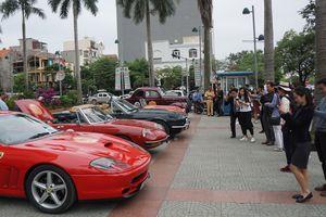 Cận ảnh những chiếc xe cổ từ Hồng Kông vừa đến Hải Phòng