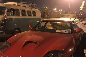 Bộ đôi siêu xe Ferrari Mondial và 550 Maranello lạ lẫm bất ngờ cập cảng Việt Nam cùng dàn xe cổ khác