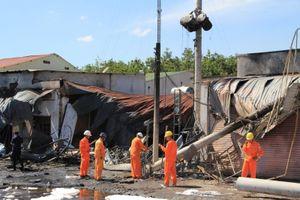 Tan hoang hiện trường xe bồn cháy làm 6 người chết ở Bình Phước