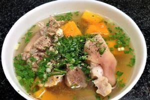 Món ngon mỗi ngày: Chân giò hầm bí đỏ đơn giản lại ngon cơm