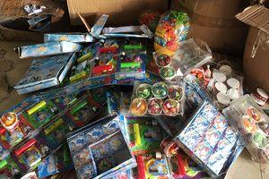 Chi cục Hải quan cửa khẩu Móng Cái: Bắt giữ lô hàng đồ chơi trẻ em không rõ nguồn gốc