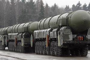 Các nhà lập pháp Nga kêu gọi sửa đổi quy định về sử dụng vũ khí hạt nhân