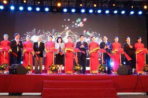 Khai mạc Hội chợ Đặc sản vùng miền Việt Nam và Triển lãm Mỗi làng một sản phẩm