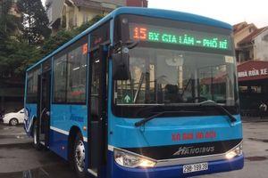 Hà Nội: Tuyến buýt số 15 được thay xe mới