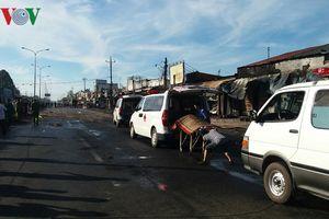 Công an Bình Phước thông tin vụ lật xe chở xăng dầu, 6 người chết