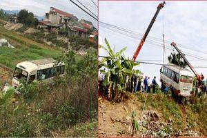 Xe khách lao xuống ruộng, 7 người bị thương ở Yên Bái