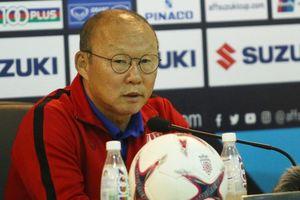 HLV Park Hang-seo đánh giá cao HLV Keisuke Honda của đội tuyển Campuchia dù ông này vắng mặt