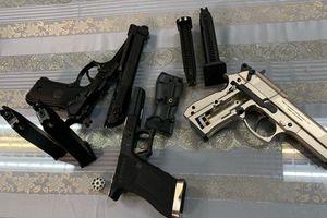 Hành khách từ Pháp về Việt Nam mang 3 khẩu súng lên máy bay
