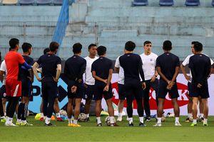 Campuchia bí mật tập luyện trên sân Hàng Đẫy