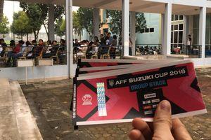 Xuất hiện 'vé VIP chợ đen' trước trận của Việt Nam ở sân Hàng Đẫy