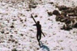 6 bộ lạc nguyên thủy chạm trán người ngoài và kết cục đẫm máu