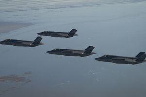 Chiêm ngưỡng đội hình trên không lớn nhất lịch sử của tiêm kích Mỹ F-35A