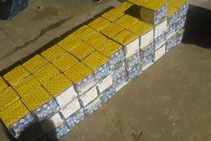 Quảng Bình: Bắt giữ xe vận chuyển 100 'bánh' pháo không rõ nguồn gốc
