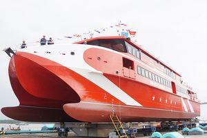 Hạ thủy tàu cao tốc hai thân lớn nhất đóng tại Việt Nam