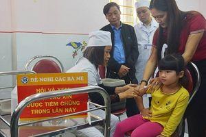 Triển khai tiêm bổ sung vắc xin sởi-rubella cho gần 19.500 trẻ