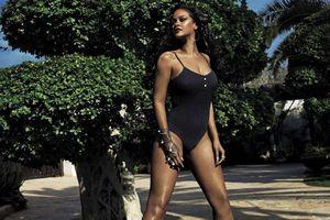 Ca sĩ Rihanna phô đường cong nóng bỏng gây 'chao đảo'