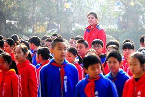 Kinh ngạc cô bé Trung Quốc 11 tuổi đã cao hơn 2 mét