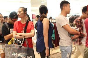 Người dân TP.HCM 'nghẹt thở' vì mua sắm trong ngày Black Friday
