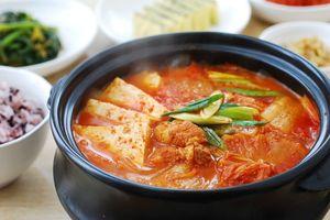 Bí quyết nấu lẩu kim chi Hàn Quốc ngon chuẩn vị, cả nhà ai cũng khen ngon