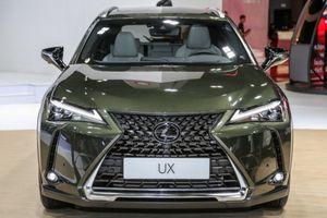 Lexus UX ra mắt, đối thủ nặng ký của BMW X1 và Mercedes-Benz GLA