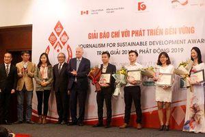 Trao giải Báo chí với phát triển bền vững 2018