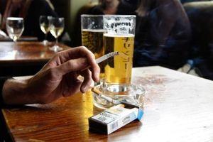 Hút thuốc lá tại nơi công cộng ở Ireland bị phạt gần 80 triệu?