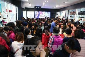 Các trung tâm thương mại quá tải vì lượng người mua sắm dịp Black Friday