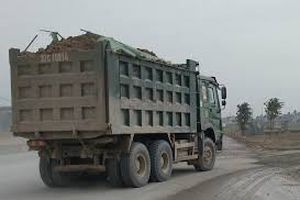 Thọ Xuân - Thanh Hóa: Chủ mỏ và chủ phương tiện vận tải ký cam kết không vi phạm tải trọng