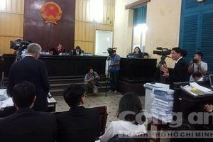 Tranh cãi về giám định thiệt hại trong vụ Vinasun kiện Grab
