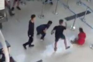 Vụ nữ nhân viên hàng không bị hành hung tại sân bay Thanh Hóa: Do từ chối chụp ảnh cho nhóm nam thanh niên vì đang trong quá trình làm việc