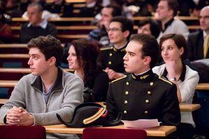 Học phí tăng 16 lần có mang lại diện mạo mới cho đại học Pháp?