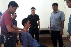 Truy tố thanh niên ngáo đá bắt giữ người, đâm công an bị thương