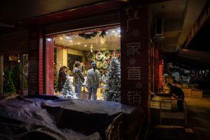 Thành phố Noel của Trung Quốc, nơi ông Trump không thể chạm tới