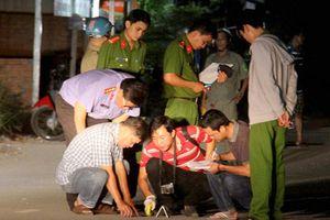 2 thanh niên đang nhậu trên vỉa hè Sài Gòn bị truy sát đến chết