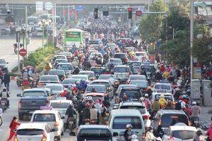 'Mặc đồng phục' cho taxi ở Hà Nội: Áo quần không quan trọng bằng cái chất