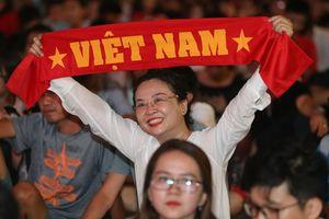 Hủy xem trận Việt Nam - Campuchia ở Phố đi bộ Nguyễn Huệ do bão số 9