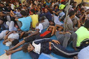 Hồi hương tự nguyện khoảng 15.000 người di cư mắc kẹt tại Libya
