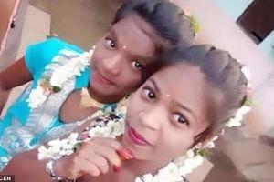 Ám ảnh bức hình selfie của hai thiếu nữ trước khi nhảy xuống giếng tự tử