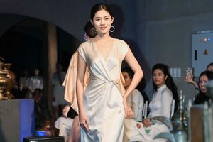 Hoa khôi Miss Photo Vũ Hương Giang cùng dàn mỹ nhân diễn thời trang ở Tây Nguyên