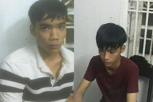 Nữ du khách Mỹ bị hai thiếu niên cướp iPhone X trước khách sạn