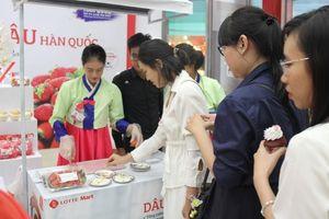 LOTTE Mart tổ chức lễ hội dâu tây Hàn Quốc
