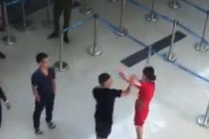 Thanh Hóa: Nữ nhân viên hàng không bị hành hung vì... không chịu chụp ảnh chung?