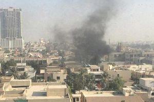 CCTV ghi lại vụ nổ khói dày đặc tại lãnh sự quán Trung Quốc khi bị tấn công