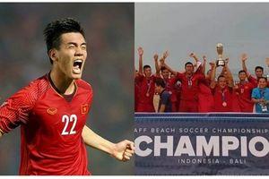 Niềm vui nhân đôi cho bóng đá Việt Nam trong ngày đội tuyển vào bán kết AFF Cup