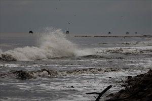 Cập nhật bão số 9: Vùng biển Cần Giờ sóng to gió lớn