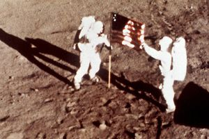 Nga quyết lên mặt trăng kiểm tra 'dấu chân' Mỹ