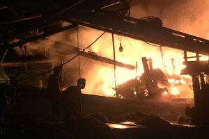 Cháy 2 tàu cá của ngư dân khi đang trú bão số 9, thiệt hại trên 1 tỷ đồng