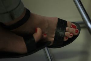 Ngồi rung chân có liên quan đến hội chứng chân không nghỉ